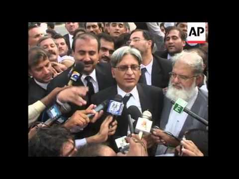 Supreme Court reinstated Pakistan's top judge, celebrations, lawyer reax