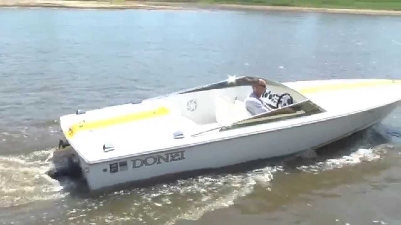 1996 Donzi 22 Classic w/Mercruiser 454 on a tandem trailer 2nd video