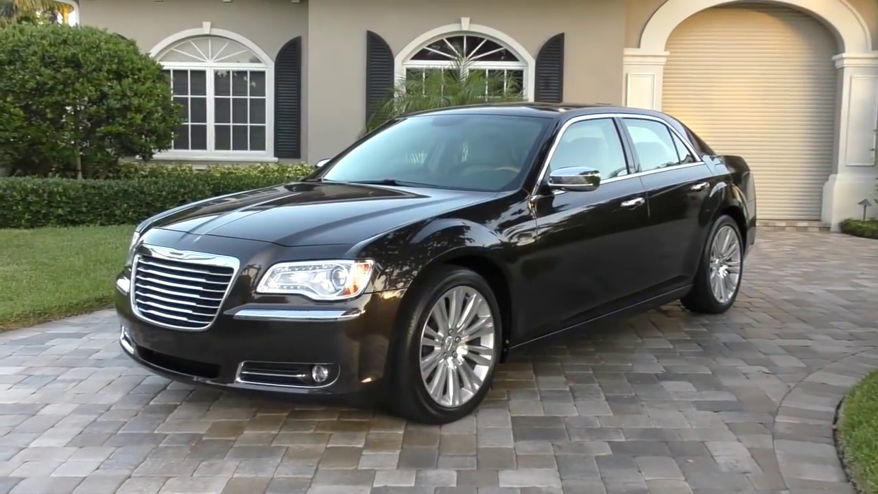 2013 chrysler 300c v6 luxury review and test drive by bill auto europa naples youtube. Black Bedroom Furniture Sets. Home Design Ideas