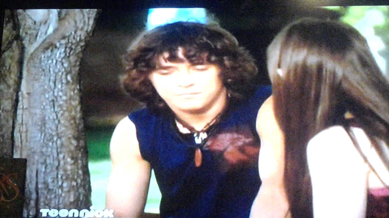 Are Quinn and Logan dating on Zoey 101