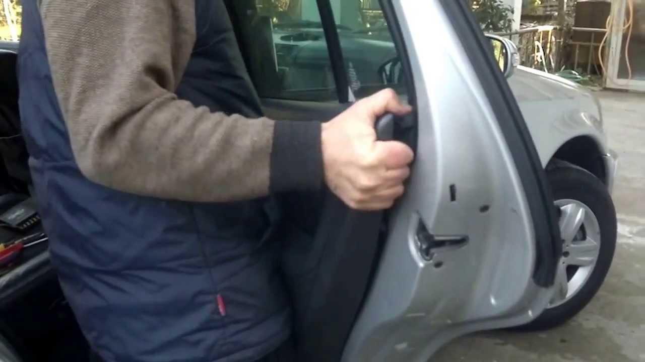 снять обшивку передней двери мерседес мл 164