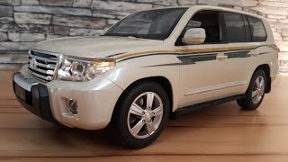 Unboxing of Toyota Land Cruiser V8 SUV with Dlan