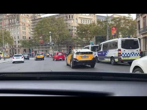 Driving in Barcelona, no sound. Plaça Catalunya and las Ramblas.