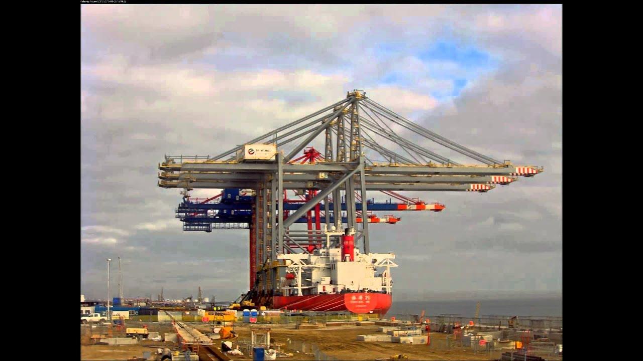 London Gateway Crane D...