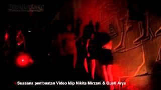 Wah..Serunya Nikita Mirzani FLIRTING di Bali