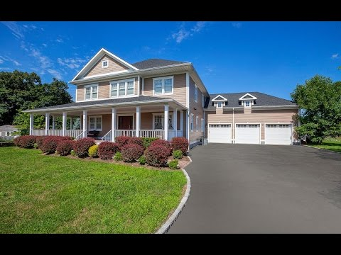Real Estate Video Tour | 16 Hilltop Dr, Port Chester, NY 10573 | Westchester County, NY