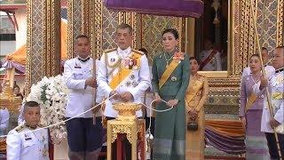 ในหลวง-พระราชินี เสด็จฯถวายผ้าพระกฐิน วัดราชบพิธฯ-วัดโพธิ์