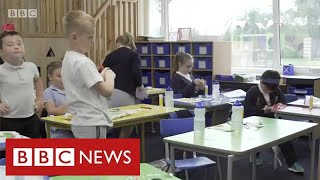 """Children in deprived areas face widening """"education gap"""" due to lockdown - BBC News"""