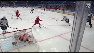 Petersson gathers feed from Mironov, ties the game