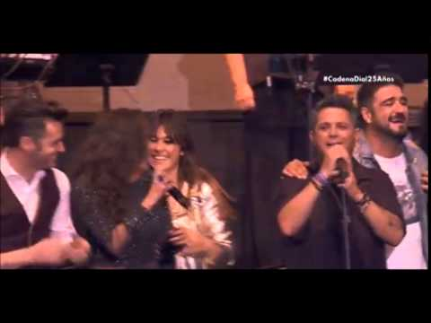 Bustamante y varios artistas -  Despedida gala aniversario Cadena Dial- La Música No Se Toca