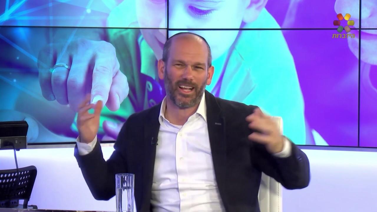 האם יונתן רזאל אברך או זמר? ראיון אישי והופעה חיה HD