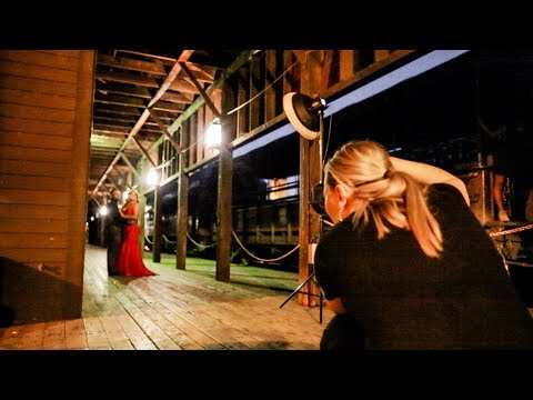 ENGAGEMENT PHOTOGRAPHY AT NIGHT, couple photography, shooting night portraits with beautiful couple