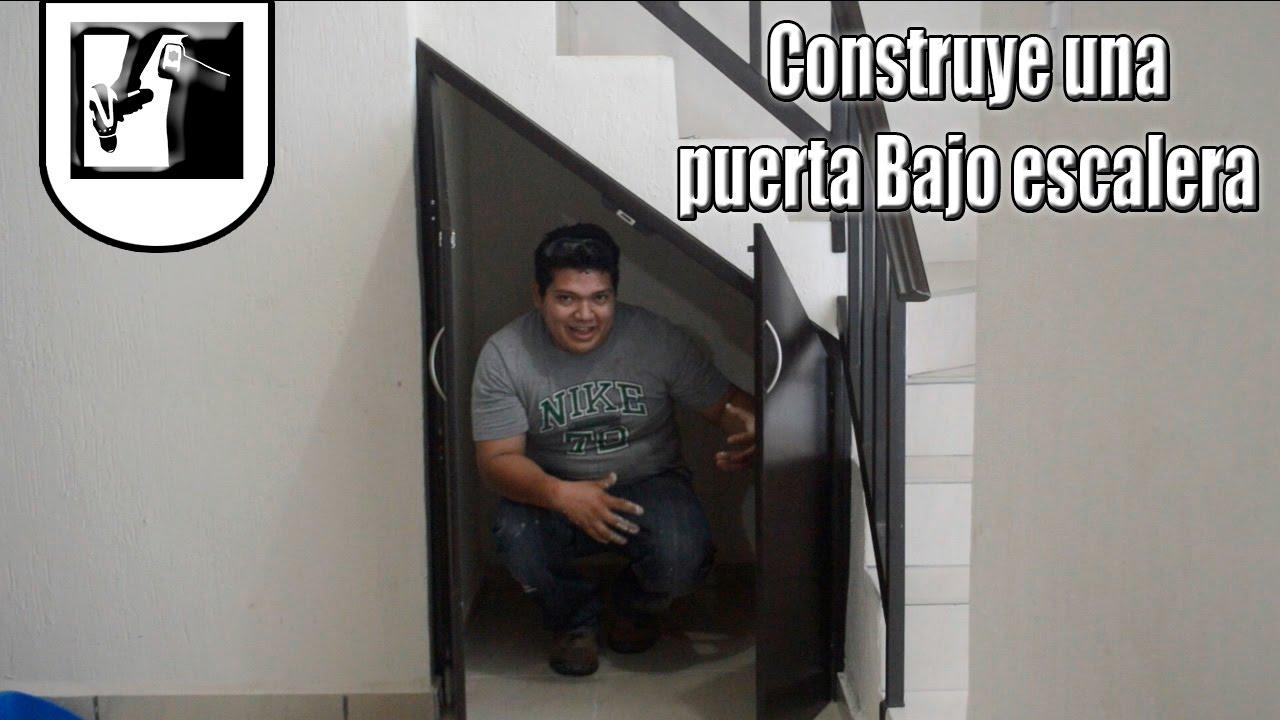 Como construir una puerta bajo escalera parte 1 youtube for Como utilizar el espacio debajo de las escaleras