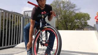 TUTO - Comment faire Tailwhip en BMX / Dirt En FR V1