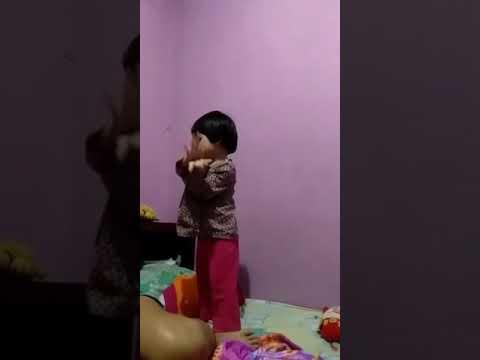 Baby Bella Dancing with Baby Shark! - YouTube