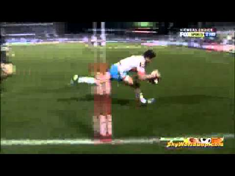 David Mead s one handed pick up try