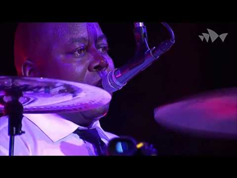 CHIC featuring Nile Rodgers - Let's Dance - David Bowie - (Live At The House Sídney 2013) HD