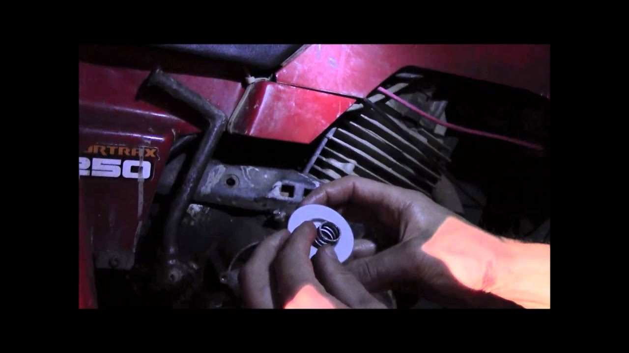 Honda TRX 250 Oil Change - YouTube