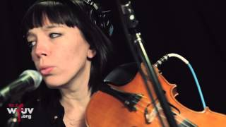 "Laura Gibson - ""Empire Builder"" (Live at WFUV)"