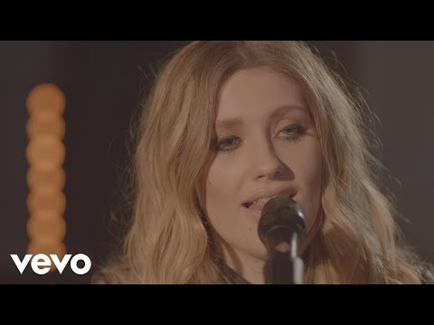 Glow (RAK Studio Sessions) (VEVO LIFT)