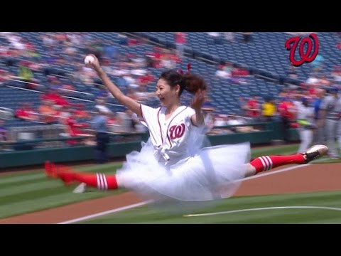 NYM@WSH: Ballerina tosses out first pitch