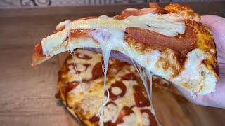 Вкусная пицца на тонком тесте с помидорами и сыром Моцарелла Рецепт пиццы проще простого