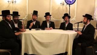 Shira Choir Singing New Rechnitz - Medley at Kumzits Live מקהלת שירה/ רכניץ קומזיץ