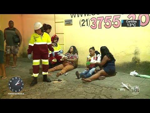 Bandidos em fuga provocam acidente e matam 2 pessoas no RJ | SBT Notícias (01/12/17)
