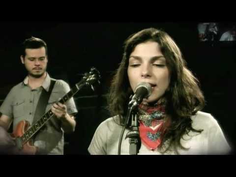 Bárbara Eugênia apresenta