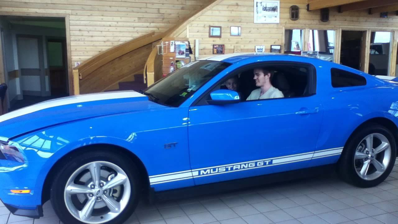 Grabber Blue Mustang >> Ford Mustang GT 2010 sound grabber blue white stripes ...