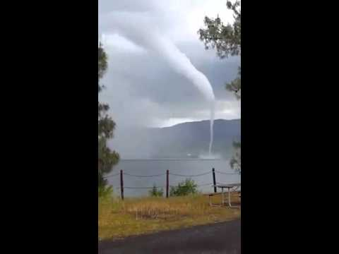 Huge Waterspout Filmed Over California's Lake Berryessa