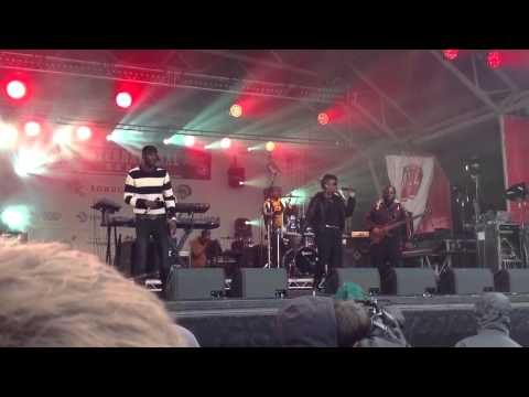 Wretch 32 Live At Trafalgar Square (Explicit Lyrics) NFLUK