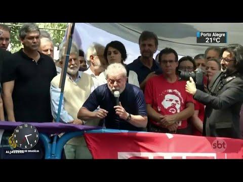 Após a prisão de Lula, situação das eleições no Brasil vira destaque   SBT Notícias (10/04/18)
