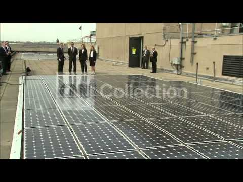 OBAMA TOURS SOLAR POWER PANEL