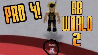 PLAYING WITH A PRO 4! | ROBLOX RB WORLD 2 FUNNY GAMEPLAY