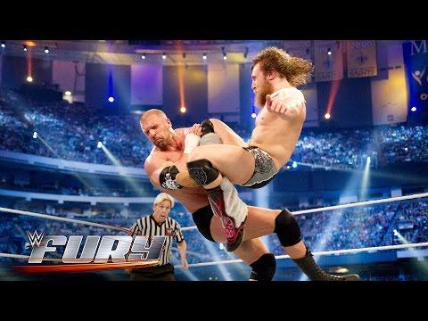 19 knee strikes you need to see: WWE Fury