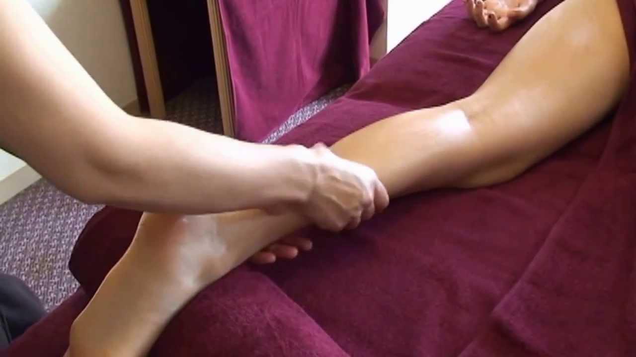 オイルマッサージ【足のむくみを解消するやり方】