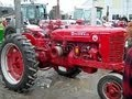 Farmall Super M Tractor Sold For 3 150 On Illinois Auction mp3