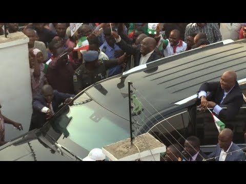 ATIKU Arrived Abuja From America, Storm PDP HQ With Supporters