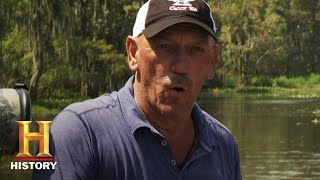 Download Swamp People: Troy Confronts BIG & VIOLENT Gators (Season 12) | History