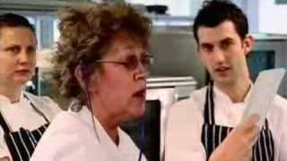 Hell's Kitchen UK S01E01 pt. 1/5