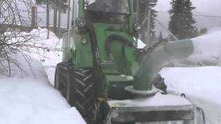 Avant Snow Blower Thumbnail