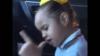 Niña cantando Soy de Rancho