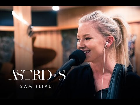 Astrid S - 2AM (Live)