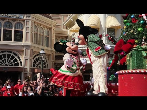 Celebrating Christmas At Disney World On Christmas Eve!