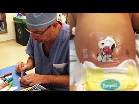Il chirurgo dal cuore d'oro che realizza dei disegni sulle medicazioni dei bambini