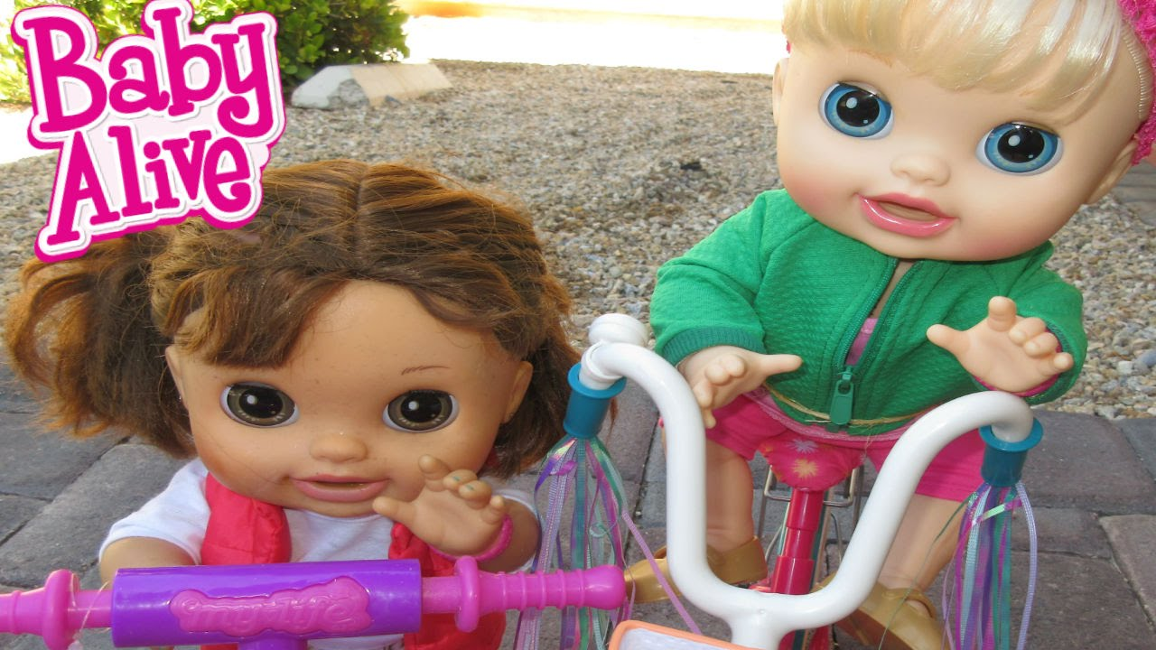BABY ALIVE Pumpkin & Audrey Get In A Fight + Pumpkin Reads Comments! #1