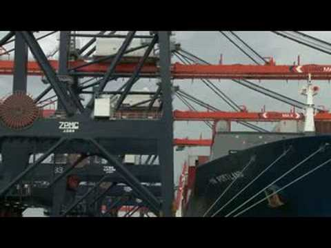 Euromax Terminal first commercial container operation
