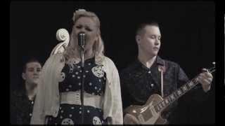 Emmy Lou and the rhythm boys - Knock Out Girl