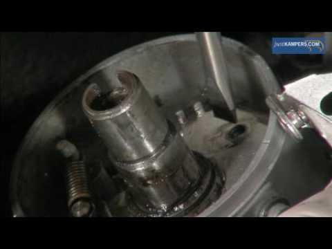 How to replace or adjust the points and condenser on your VW